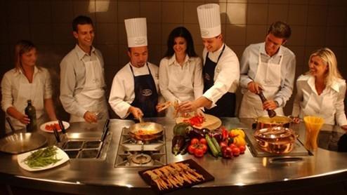 Come aprire una scuola di cucina costi e consigli pratici