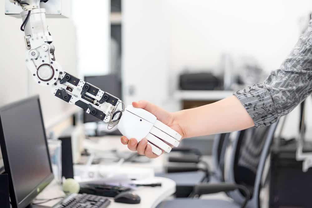 robot contro umani