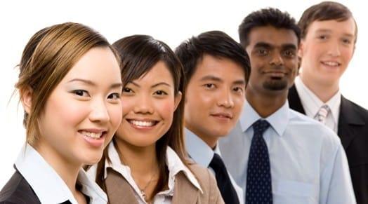 Come trattare coi clienti asiatici senza fare errori seguendo la business etiquette