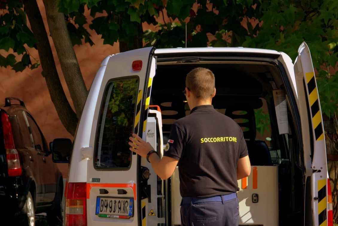 Concorso Autista Di Ambulanza 10 Posti A Napoli