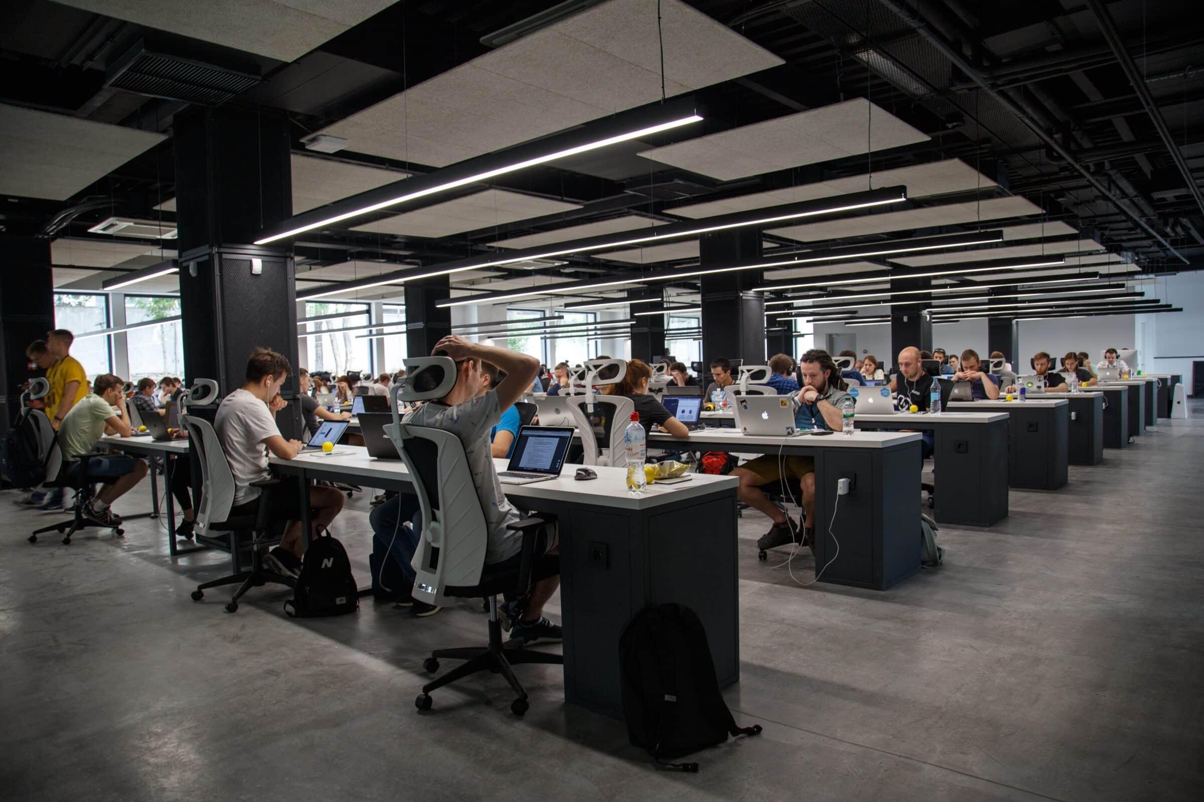Ufficio Open Space Opinioni : Uffici open space cosa non funziona bianco lavoro magazine