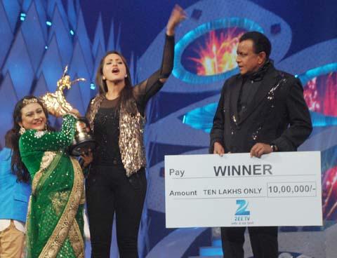 Mithu Chowdhury Winner of DID Super Mom 2013