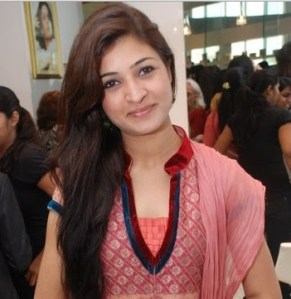 Alka Lamba posing for Pics at a Party