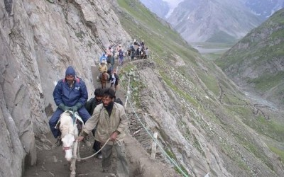 Pilgrims riding Steep Valley during Amarnath Yatra