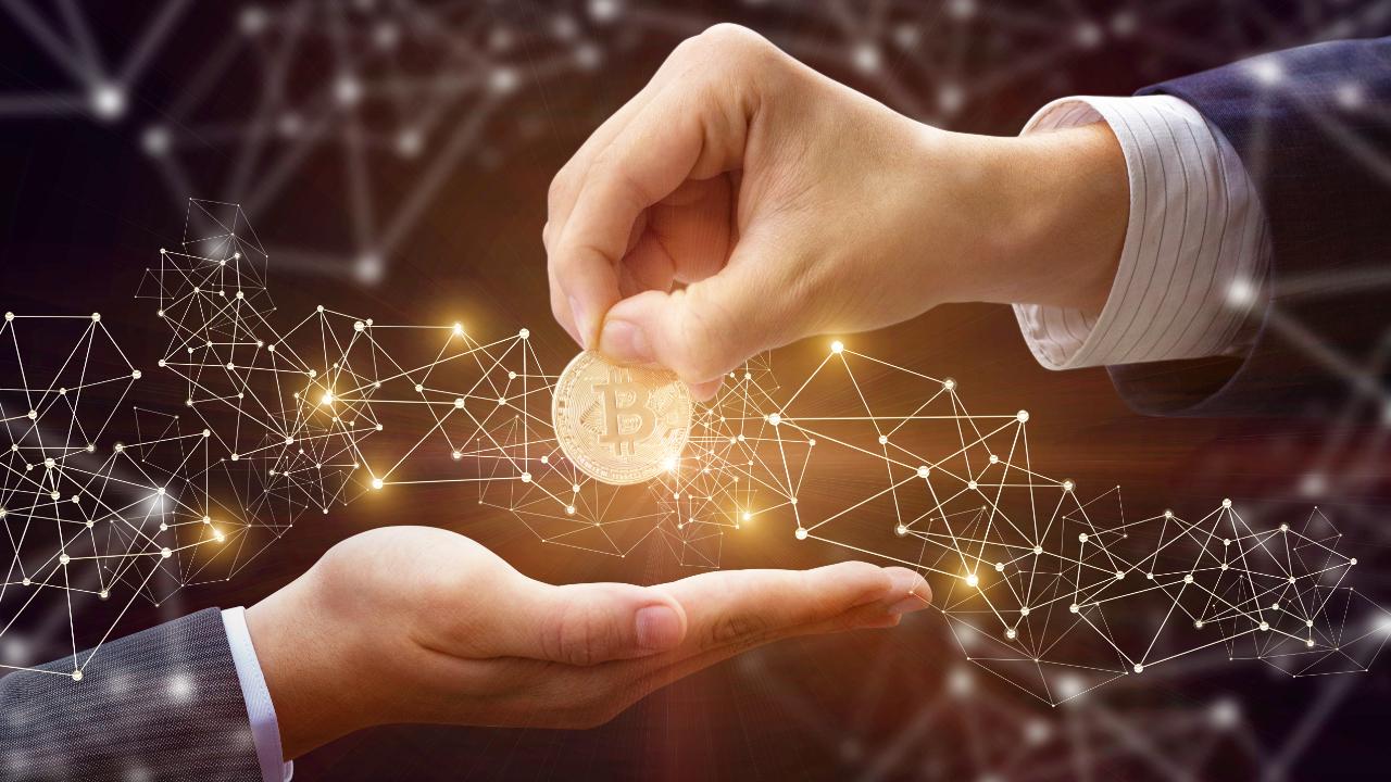 5000 BTC Giveaway Scam: Chamath Palihapitiya, Elon Musk Not Giving Away Bitcoin