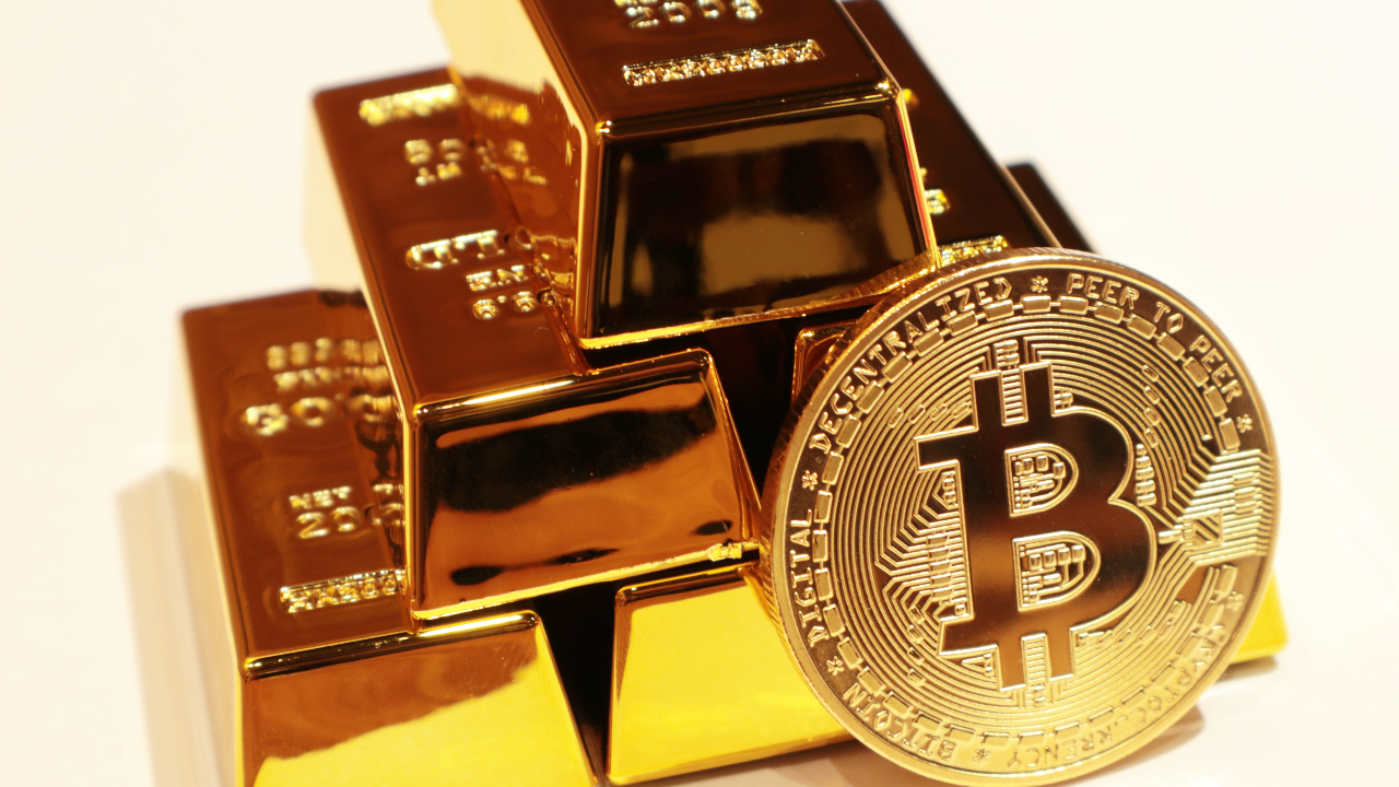 Bitcoin's Rapid Increase Should Compel Crypto Investors to Own Gold, Says Top Miner