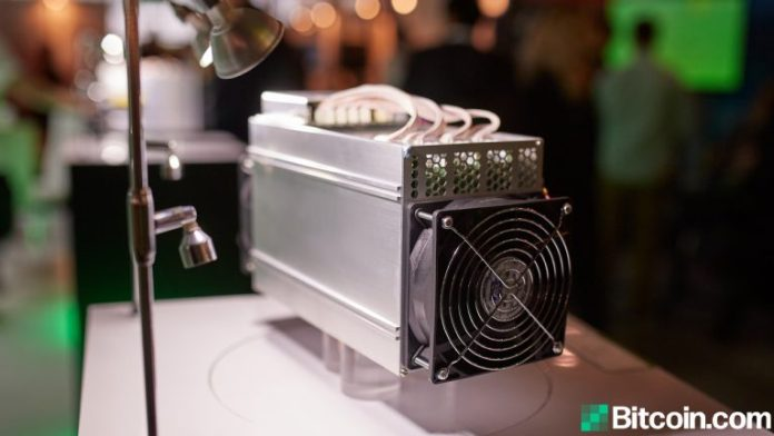 Report: China's Bitcoin Hashrate Dominance Dives, North America Could Steal the Lead