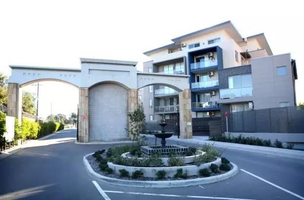 谁的错?悉尼数十位华人买公寓,项目建一半惨被取消,损失30万澳币+买房梦碎-澳洲唐人街