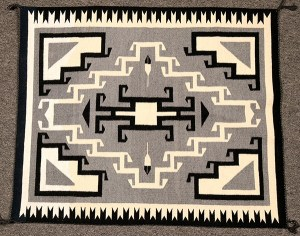 Toadlena Two Grey Hills (New Mexico) weaving