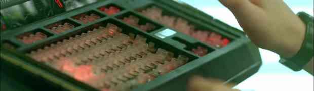 [MàJ] Le clavier du supercalculateur de Code Lyoko Evolution en vente sur eBay !