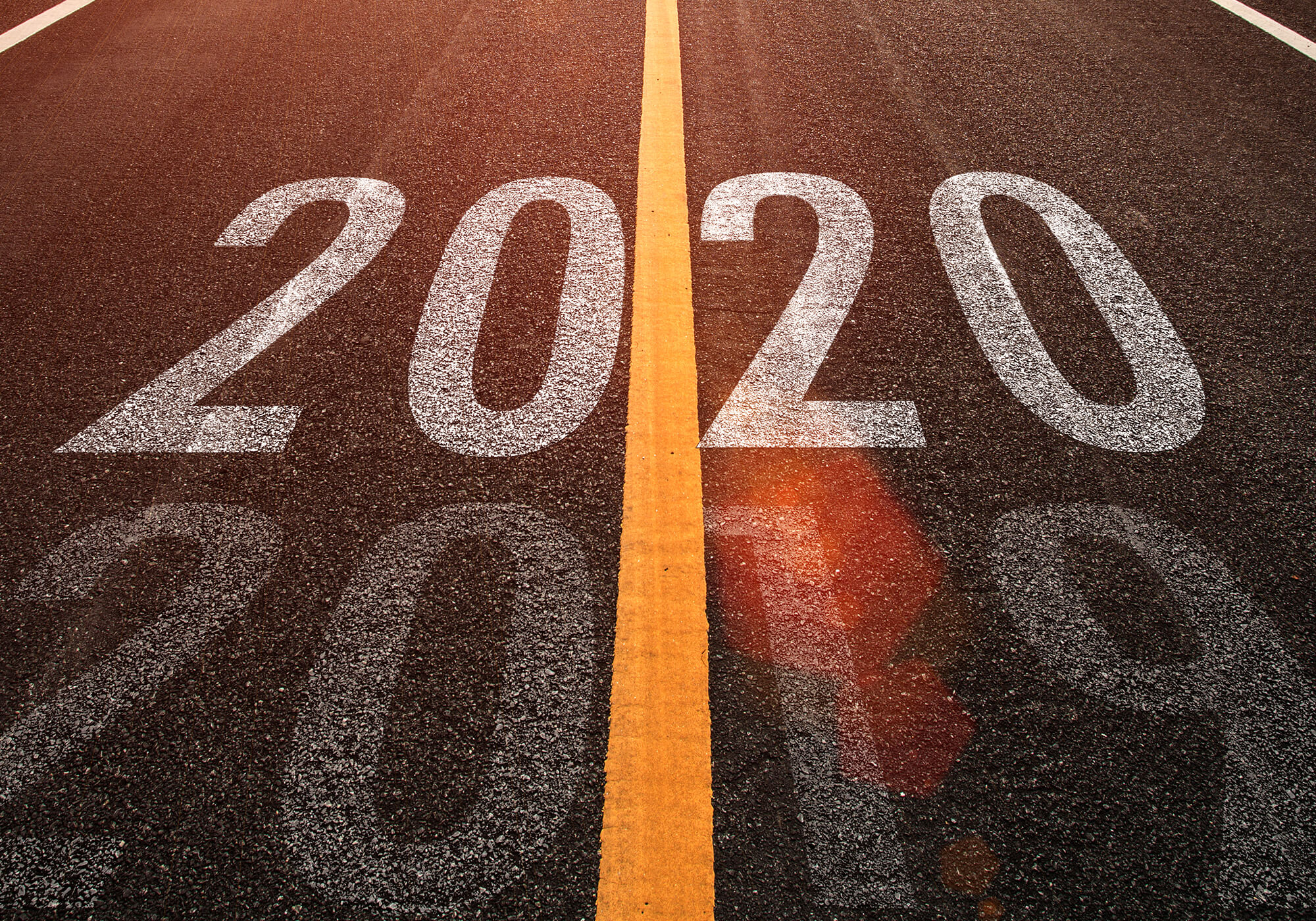 2020 on road with vertical yellow line
