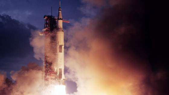 Resultado de imagen de el New Shepard, un modelo de cohete que consta de dos partes en las que ambas son reutilizables durante cierto número de viajes espaciales.