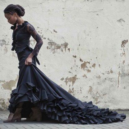portrait of dancer Yinka Esi Graves