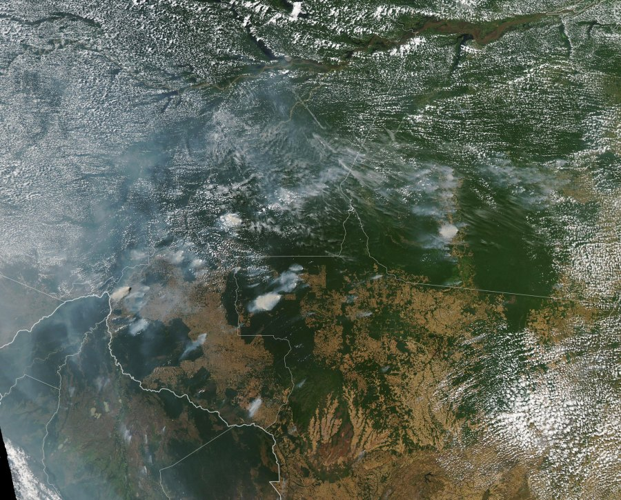 Imagery from NASA's Aqua satellite shows fires in the states of Rondônia, Amazonas, Pará, and Mato Grosso, captured on 11 August and 13 August 2019. NASA Goddard Space Flight Center, Flickr
