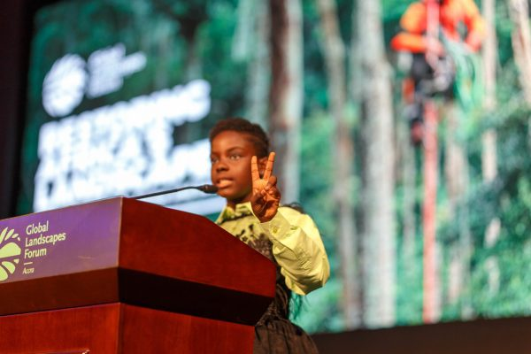 11-year-old Ghanaian deejay star Erica Armah Bra-Bulu Tandoh, known as DJ Switch, gathered together the audience in song. Musah Botchway, Global Landscapes Forum