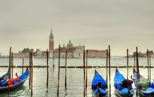 Coronavirus and carbon emissions: The waters of Venice are enjoying respite from tourism during the city's period of lockdown during to coronavirus. Office Holidays, Flickr