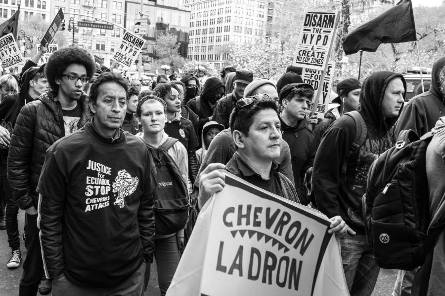 Protests in New York against Chevron's involvement in Ecuador, 2015. Marcela, Flickr