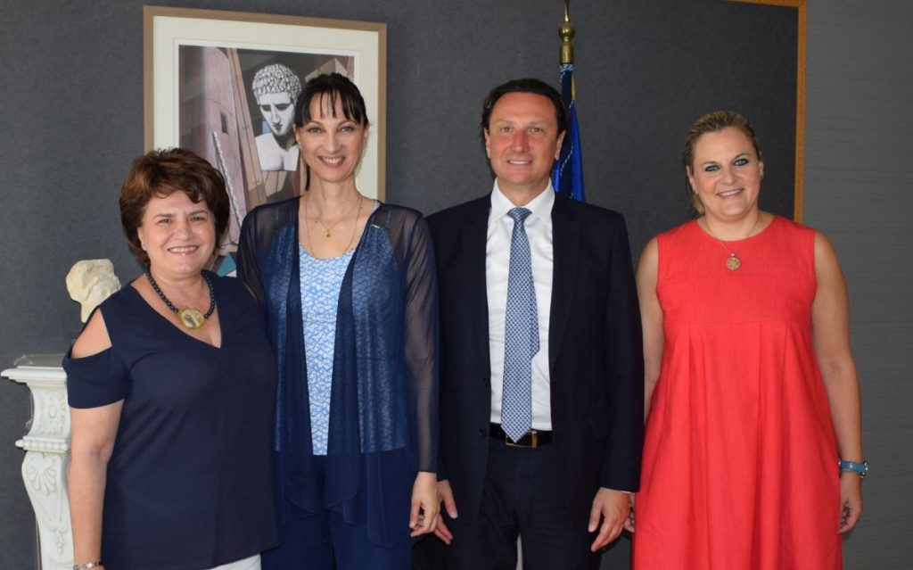 Greek Tourism Minister Elena Kountoura with the President of the Greek Community of Melbourne, Bill Papastergiadis. They are accompanied by SYRIZA MP Chrysoula Katsavria - Sioropoulou and member of the Special Permanent Committee of Hellenism of the Diaspora (L) and the Secretary General of Tourism Evridiki Kourneta.