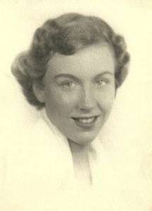 Daphne Wade Hougham '52 Passes After Full and Exciting Life