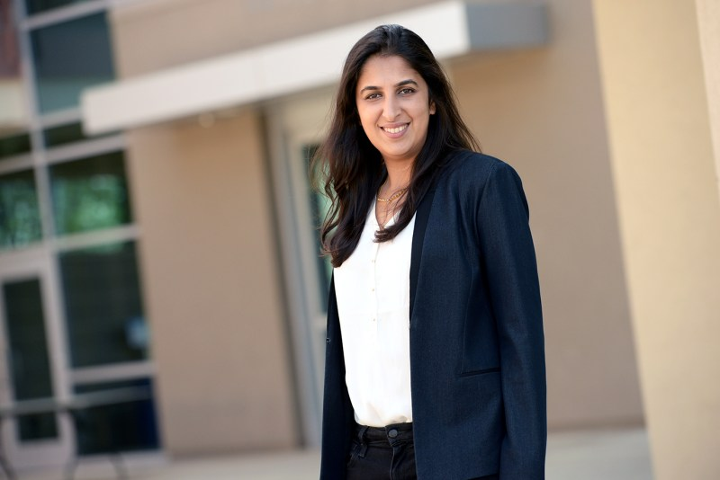 Surbhi Sarna '03 awarded 2017 Distinguished Alumni Award
