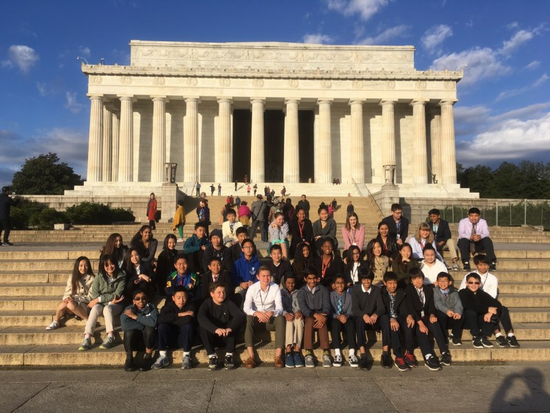Eighth graders delve into history during Washington, D.C., excursion