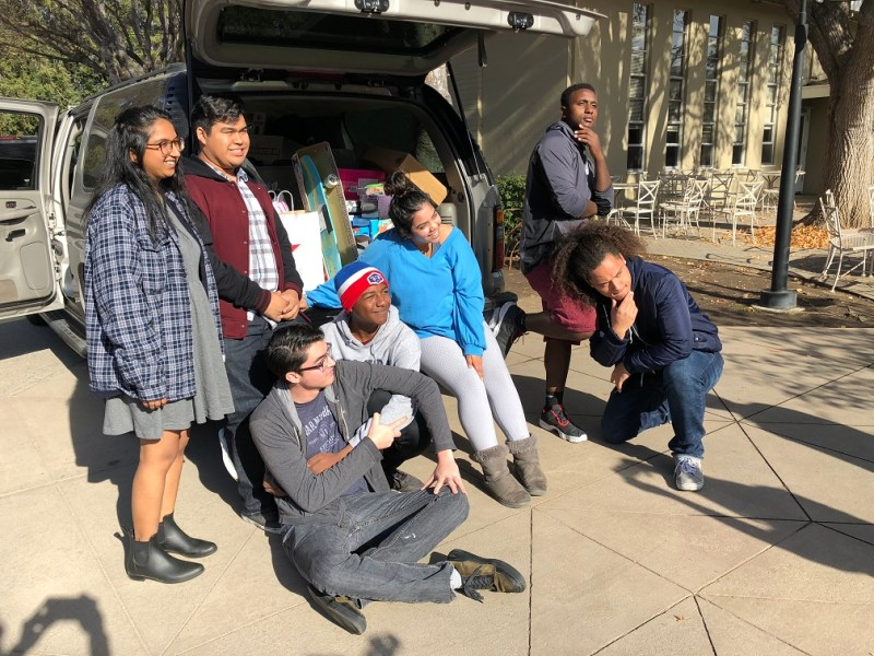 Upper school students carry out holiday community service efforts