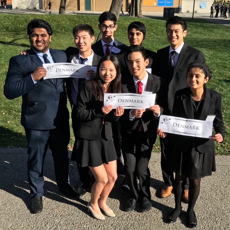 Model UN students garner recognition at weekend conference