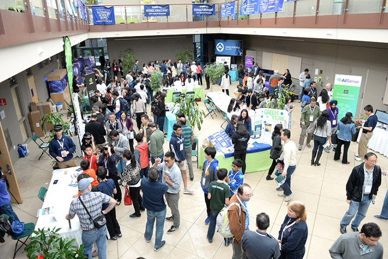 Harker community explores the burgeoning field of artificial intelligence at 2018 Research Symposium