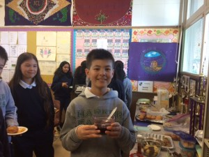 Middle school Latin students sample Roman cuisine to celebrate famed city's birthday