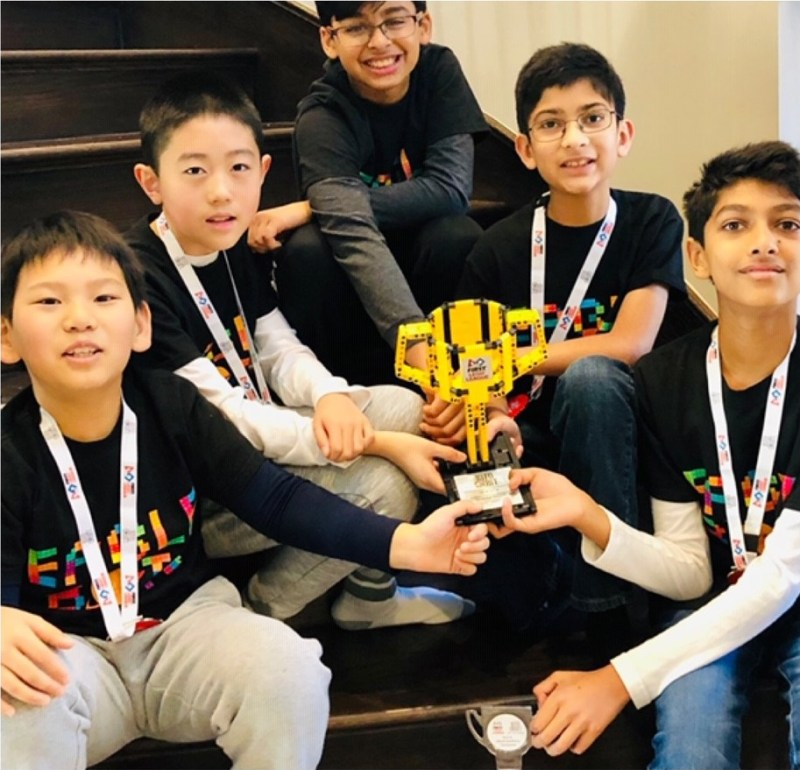 Grade 5 robotics team wins award for science project