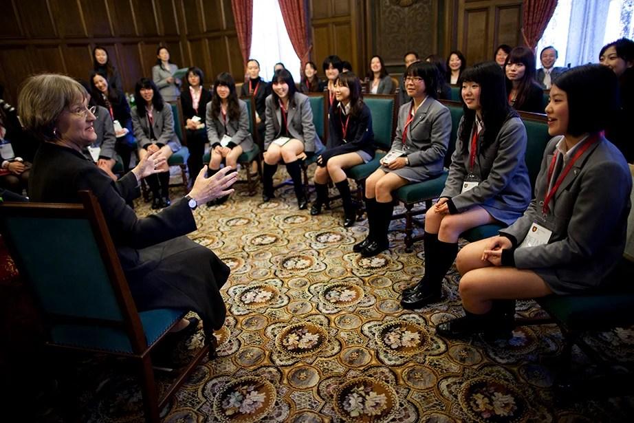 Drew Faust visits Keio Girls Senior High School