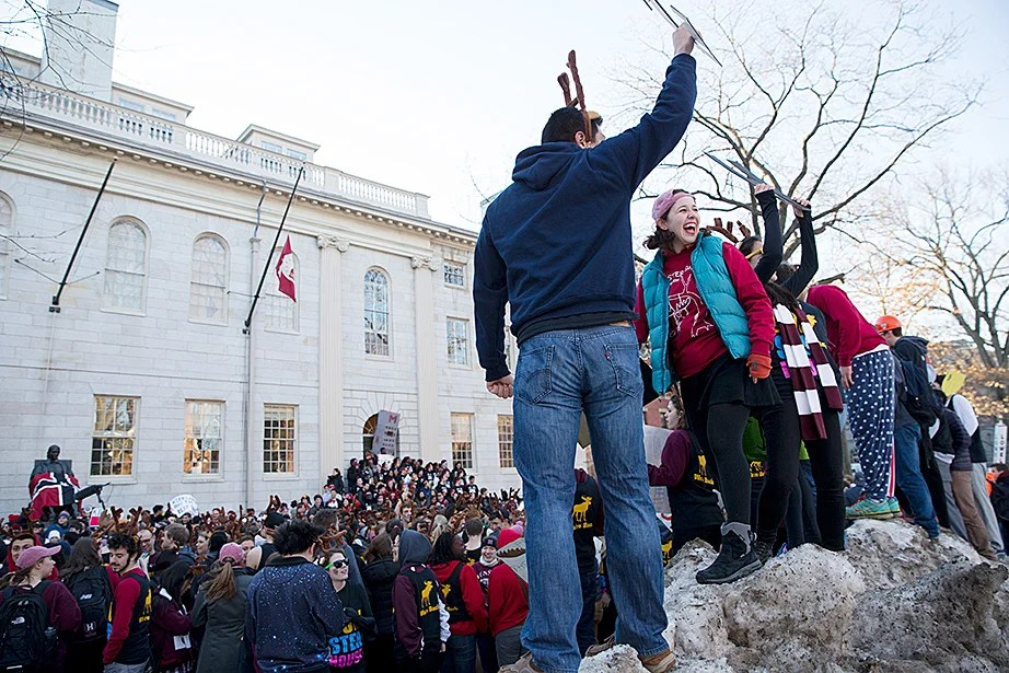 Snow is no problem for these celebrants. Rose Lincoln/Harvard Staff Photographer