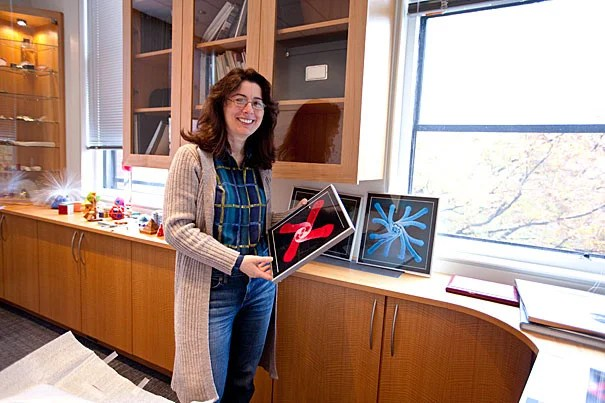 "Harvard Professor Joanna Aizenberg is the recipient of the George Ledlie Prize. Provost Alan M. Garber described Aizenberg as having ""a remarkable impact not only on the world of science through her research, but also on the entire Harvard community through her exemplary teaching, mentoring, and energy."""