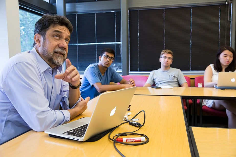 "Virgilio Almeida, the CAPES distinguished visiting professor, teaches ""The Internet: Governance and Power."" The course covers cyberspace governance. Jon Chase/Harvard Staff Photographer"