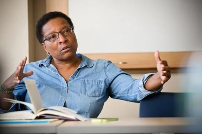 Cheryl Giles, Francis Greenwood Peabody Senior Lecturer on Pastoral Care and Counseling, has spent over 30 years counseling young people and teaching others to follow in her footsteps.