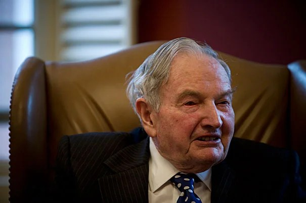 Celebrated businessman and philanthropist David Rockefeller '36 was a generous benefactor of Harvard, serving on the Board of Overseers for 12 years, and donating many substantial gifts to support the humanities and financial aid at the University.