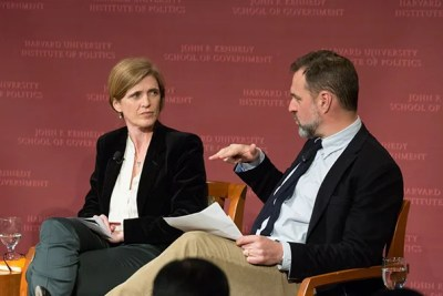 The U.S. should pursue closer relations with China as a way of promoting international stability, said Niall Ferguson (right), who sees an opening for this as strategy. Ferguson was joined by Samantha Power, former U.S. Ambassador to the United Nations, at a Kennedy School forum.