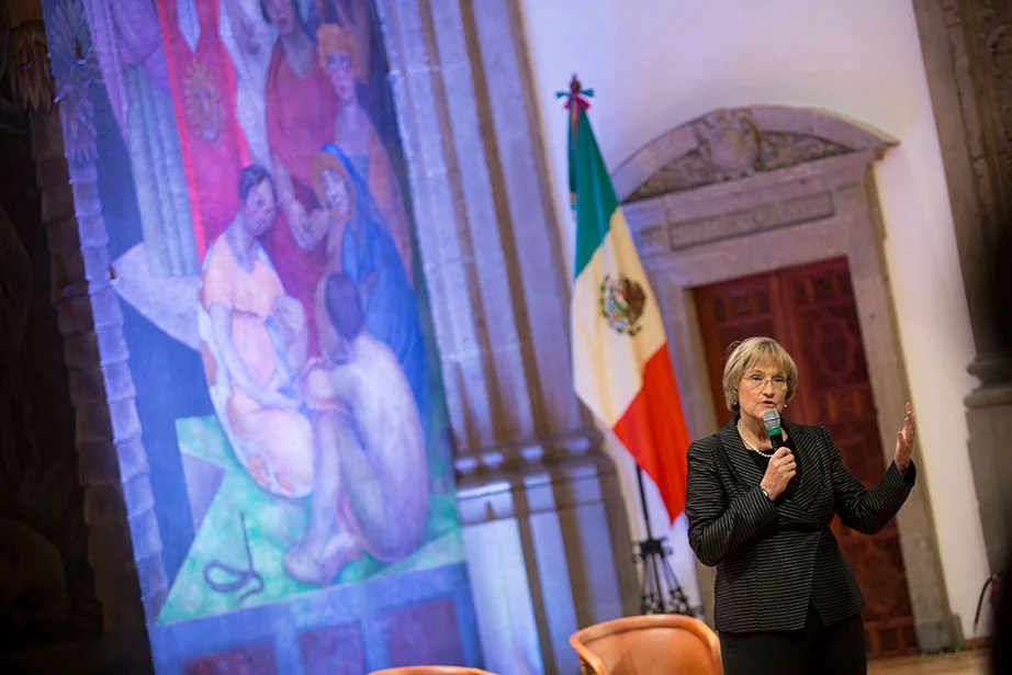 "President Faust takes questions from the audience at ""Your Harvard: Mexico City."" The ""Your Harvard"" events provide opportunities for alumni, parents, and friends to hear directly from President Faust as she shares a vision for the future of Harvard, including its global reach and impact, and to engage with eminent faculty in cross-disciplinary exploration of ideas and innovations that address challenges facing our society today. Faust has spoken at 14 ""Your Harvard"" events attended by more than 4,300 alumni in locations around the world, including Berlin, London, Mexico City, and Singapore, as well as Miami, Chicago, and Boston. Stephanie Mitchell/Harvard Staff Photographer"