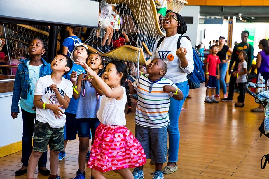 A pulley exhibit captures the attention of Shifau Oyemala (from left), Johnathan Nguyen, Jordan Nguyen, Reezahnny Veiga-Rodrigues, Ha Thanh Dang, and Austin Aguilar.