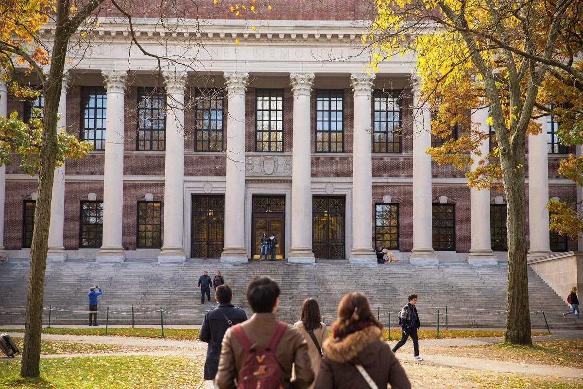 record 42 742 apply to harvard college class of 22 harvard gazette
