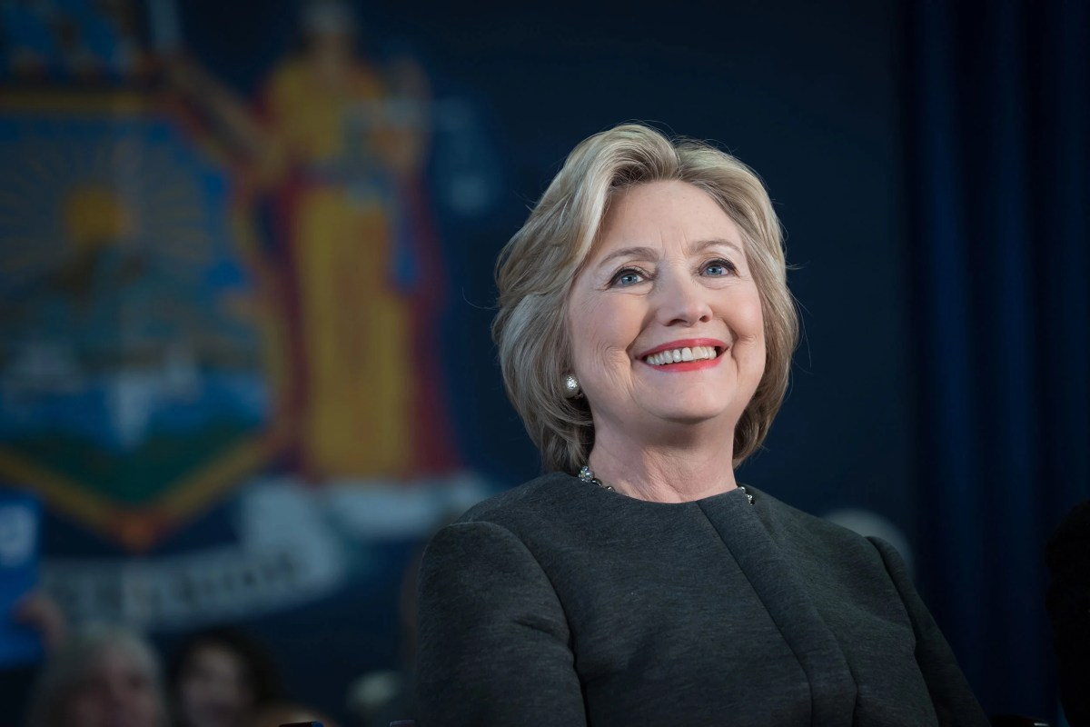 Hillary Clinton To Receive Radcliffe Medal Harvard Gazette - How tall is hillary clinton