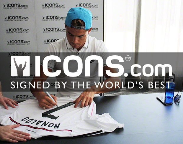 Cristanio-Ronaldo-Signing-Session-10-Seasons-With-Icons