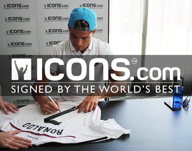 Cristanio-Ronaldo-Signing-Session-10-Seasons-With-Icons