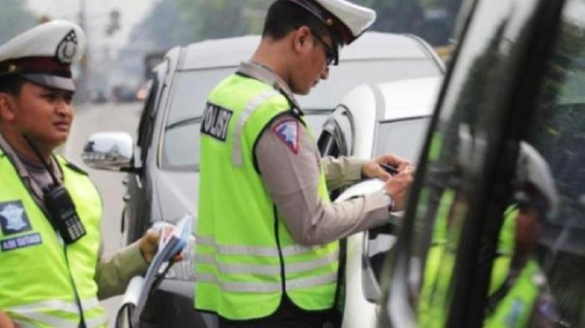 Viral Pengendara Batal Ditilang karena Terekam CCTV, Kelakuan Oknum Polisi Jadi Sorotan