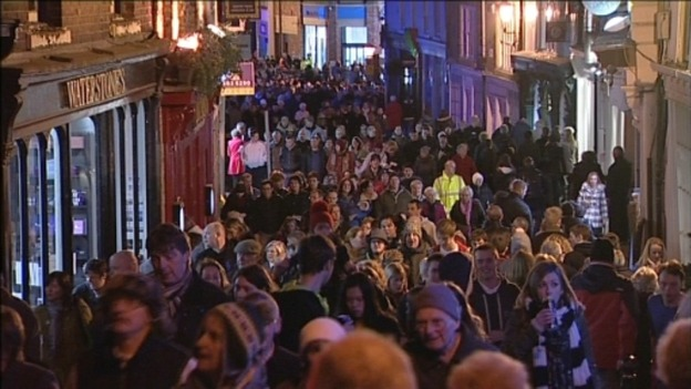 Crowds at Lumiere