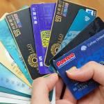 Граждане с низким доходом чаще остальных используют кредитки