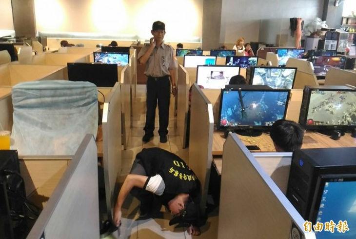Сотрудники интернет-кафе обнаружили мертвого клиента