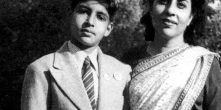 Amitabh Bachchan dedicated a song 'Meri Roti Ki Golai Ma' remembering his mother on mother's day