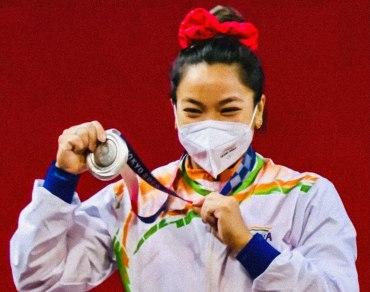 Mirabai_Chanu_Tokyo_Olympics_Silve