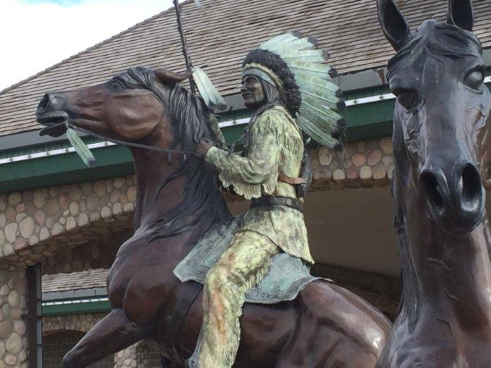 standing-rock-statue